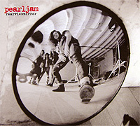 Pearl Jam. Rearviewmirror. Greatest Hits. 1991-2003 (2 CD) - купить аудиозапись на cd Pearl Jam. Rearviewmirror. Greatest Hits. 1991-2003 (2 CD) 2008 на лицензионном диске Audio CD в интернет магазине Ozon.ru