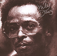 Zakazat.ru Miles Davis. Get Up With It (2 CD)