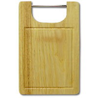 Доска разделочная из бамбука. 19 x 29 x 1,8 см28AR-1004Прямоугольная разделочная доскаиз бамбука с металлической ручкой обладает рядом преимуществ, которые можно оценить уже при первом использовании.Изготовленная из бамбука, доска отличается долговечностью, большой прочностью и высокой плотностью, легко моется, не впитывает запахи и обладает водоотталкивающими свойствами, при длительном использовании не деформируется.Разделочная доска из бамбука выполнена на высоком уровне, она удовлетворит все запросы самой требовательной хозяйки!Рекомендации:очищать сразу после использования;просушивать после мытья;не использовать при высокой температуре. Характеристики:Страна: Германия. Материал:бамбук. Размер: 19 см x 29 см x 1,8 см. Артикул:28AR-1004.
