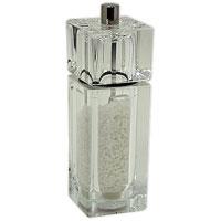 Мельница для соли CubeH335020Мельница для соли Cubeизготовлена из пластика. Она легка в использовании, стоит только покрутить верхнюю часть мельницы, и вы с легкостью сможете добавить соль по своему вкусу в любое блюдо. Мельница модного дизайна будет отлично смотреться на вашей кухне.Мельница уже содержит внутри соль! Характеристики: Материал: пластик. Размер мельницы: 14,5 см х 4,5 см х 4,5 см. Артикул: H335020. Страна: Великобритания.