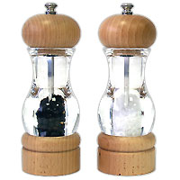 Набор: мельница для соли и мельница для перцаH105380Набор, состоящий из мельницы для перца и мельницы для соли, изготовлен из пластика и дерева. Мельницы легки в использовании, стоит только покрутить верхнюю часть, и вы с легкостью сможете поперчить или добавить соль по своему вкусу в любое блюдо. Оригинальные мельницы модного дизайна будут отлично смотреться на вашей кухне.Мельницы уже содержат внутри соль и перец! Характеристики: Материал: пластик, дерево. Размер мельницы: 16,5 см х 5,5 см х 5,5 см. Размер упаковки: 17 см х 12 см х 6 см. Артикул: H105380. Страна: Великобритания.