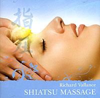 Точечный массаж Шиацу требует более высокой концентрации, поскольку Мастеру необходимо предельно точно взаимодействовать с малыми участками тела пациента, называемыми