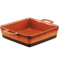 """Форма для запекания """"Enns"""", выполненная из керамики, станет незаменимым помощником у вас на кухне.  Основные преимущества керамической формы для запекания """"Enns"""":    Подходит для использования в микроволновой, конвекционной печи и духовке;  Подходит для хранения продуктов в холодильнике и морозильной камере;  Устойчива к температурам от -30°С до +220°С;  Можно мыть в посудомоечной машине;  Идеально подходит для сервировки стола.    Характеристики:  Материал: керамика. Размер (без ручек): 25 см х 25 см. Длина с ручками: 33 см. Высота стенок: 7 см. Производитель: Австрия. Артикул: UCW-4215/33.  Керамическая посуда пользуется огромной популярностью во всем мире, и не случайно. Всем известны достоинства этой необыкновенно красивой и практичной посуды. Ведь только керамическая посуда способна обеспечить равномерный нагрев и долгое сохранение температуры. Именно эти качества позволяют придать особый аромат продуктам, сохранить витамины и микроэлементы, которые часто разрушаются при нагревании. Кроме этого, керамическая посуда не выделяет химических примесей в процессе приготовления пищи, что, безусловно, положительно скажется на вашем здоровье и самочувствии.   Керамическая посуда торговой марки UNIT - это не только идеальное соотношение цены и качества, это здоровье и хорошее настроение вас и вашей семьи."""