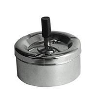 """Пепельница """"Omega"""" станет хорошим подарком курящим людям. Контейнер для пепла глубокий, снабжен съемной крышкой,  благодаря чему его можно легко чистить. На крышке пепельницы есть три специальных углубления для сигарет. Также крышка содержит специальный поворотный механизм очистки, благодаря которому пепел без труда попадает в контейнер.  Характеристики: Материал:  нержавеющая сталь, пластик. Диаметр:  11 см. Высота:  5 см. Производитель: Великобритания. Артикул:  0305203."""