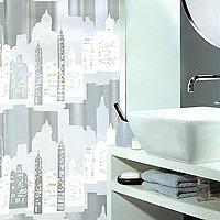 Штора Skyline silver, 180 х 200 см1011572Штора для ванной комнаты Skyline silver с изображением города изготовлена из пластика. В верхней кромке шторы сделаны отверстия для колец. Штору можно стирать только руками. Шторы от компанииSpirella отличает яркий, красочный дизайн рисунков и высокое качество (гарантия на изделие 3 года). Сделайте вашу ванную комнату еще красивее! Характеристики: Материал: пластик. Размер шторы: 180 см х 200 см. Производитель: Швейцария. Артикул: 1011572.