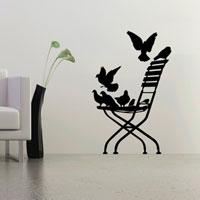 Стикер Paristic Стул в саду, 45 х 70 смВ2007Добавьте оригинальность вашему интерьеру с помощью необычного стикера Стул в саду. Изображение на стикере выполнено в форме изящного стула, на котором сидят голуби. Необыкновенный всплеск эмоций в дизайнерском решении создаст утонченную и изысканную атмосферу не только спальни, гостиной или детской комнаты, но и даже офиса.Стикервыполнен из матового винила - тонкого эластичного материала, который хорошо прилегает к любым гладким и чистым поверхностям, легко моется и держится до семи лет, не оставляя следов. В комплекте прилагается ракель, с помощью которого вы без труда наклеите стикер на выбранную поверхность.Сегодня виниловые наклейки пользуются большой популярностью среди декораторов по всему миру, а на российском рынке товаров для декорирования интерьеров - являются новинкой.Paristic - это стикеры высокого качества.Художественно выполненные стикеры, создающие эффект обмана зрения, дают необычную возможность использовать в своем интерьере элементы городского пейзажа. Продукция представлена широким ассортиментом - в зависимости от формы выбранного рисунка и от Ваших предпочтений стикеры могут иметь разный размер и разный цвет (12 вариантов помимо классического черного и белого).В коллекции Paristic-авторские работы от урбанистических зарисовок и узнаваемых парижских мотивов до природных и графических объектов. Идеи французских дизайнеров украсят любой интерьер: Paristic -это простой и оригинальный способ создать уникальную атмосферу как в современной гостиной и детской комнате, так и в офисе.В настоящее время производство стикеров Paristic ведется в России при строгом соблюдении качества продукции и по оригинальному французскому дизайну. Характеристики:Размер стикера: 45 см х 70 см.Размер упаковки: 11 см х 6 см х 79 см. Комплектация: виниловый стикер; ракель; инструкция; Производитель: Франция.