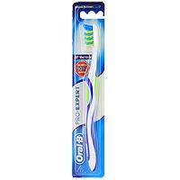 Зубная щетка Oral-B Expert, средняя жесткость4022702_черный, зеленыйЗубная щетка Oral-B Expert эффективно удаляет налет, даже в промежутках между зубами. Перекрещивающиеся пучки щетинок CrissCross, расположенные под углом друг к другу в противоположных направлениях, глубоко проникают между зубами и подметающими и сметающими движениями великолепно удаляют налет. Силовой выступ Power Tip с более длинными щетинками, эффективно очищает область за и между коренными зубами.Голубые щетинки Indicator обесцвечиваются наполовину, напоминая о необходимости замены щетки.Эргономичная рукоятка обеспечивает больше удобства и маневренности. Характеристики: Длина щетки: 19,5 см. Жесткость: средняя. Артикул: 2013133. Изготовитель: Ирландия.Товар сертифицирован.