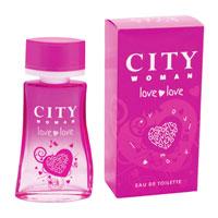 City Woman Love Love. Туалетная вода, 60 мл2001006460Легкий и жизнерадостный аромат City Woman Love Love в начальных нотах открывается нежным персиком и бодрящим лимоном. В сердце – сочная дыня и цветочные оттенки лотоса и цикламена.Амбра и карамель – отражение женственности и в то же время легкости и непосредственности в аромате. Характеристики: Объем: 60 мл. Производитель: Россия.Туалетная вода - один из самых популярных видов парфюмерной продукции. Туалетная вода содержит 4-10%парфюмерного экстракта. Главные достоинства данного типа продукции заключаются в доступной цене, разнообразии форматов (как правило, 30, 50, 75, 100 мл), удобстве использования (чаще всего - спрей). Идеальна для дневного использования. Товар сертифицирован.