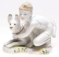 Статуэтка Мальчик с собакой. Фарфор, роспись. СССР, ЛФЗ, 1950-е гг.