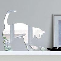 Декоративное зеркало Paristic Кот-3ПР01003Добавьте оригинальность вашему интерьеру с помощью необычного фигурного зеркала.Необыкновенный всплеск эмоций в дизайнерском решении создаст утонченную и изысканную атмосферу не только спальни, гостиной или детской комнаты, но и даже офиса.Зеркало выполнено из гибкого органического стекла - более легкого и прочного материала по сравнению с обычным стеклом. Такое зеркало более устойчиво к повреждениям и обеспечивает максимальный визуальный эффект.Сегодня фигурные зеркала пользуются большой популярностью среди декораторов по всему миру, а на российском рынке товаров для декорирования интерьеров - являются новинкой.Замысловатые узоры и самые обычные фигуры - в зеркальном воплощении создают непредсказуемые отражающие эффекты.В коллекции Paristic - авторские работы от урбанистических зарисовок и узнаваемых парижских мотивов до природных и графических объектов. Идеи французских дизайнеров украсят любой интерьер. Paristic - это простой и оригинальный способ создать уникальную атмосферу как в современной гостиной и детской комнате, так и в офисе.В настоящее время производство стикеров Paristic ведется в России при строгом соблюдении качества продукции и по оригинальному французскому дизайну. Характеристики:Материал: гибкое органическое стекло. Размер зеркала:29 см х 30 см. Производитель: Франция.