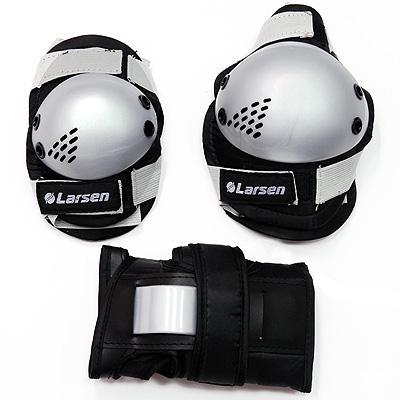 """Роликовая защита """"Larsen P3G"""" состоит из налокотников, наколенников и защиты запястья. Такая роликовая защита будет отличным дополнением к Вашим роликам.   Налокотники (2 шт), наколенники (2 шт), защита запястья (2 шт)."""