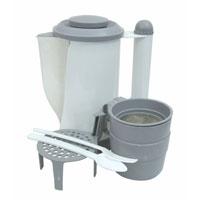 Чайник Koto, автомобильный, цвет: белый, серый, 0,7 л, 12ВLT031001Автомобильный чайник Koto работает от гнезда прикуривателя (12 В). Чайник оборудован удобной рукояткой и дополнительной металлической скобой для закрепления на боковой двери автомобиля. В комплект входят: 2 чашки, подставка, сито, вилка и ложка. Характеристики: Материал: пластик, металл. Высота чайника: 18,5 см. Диаметр основания чайника: 10 см. Размер чашки: 6 см х 8 см х 8 см. Длина шнура: 152 см. Напряжение: 12В. Мощность: 100 Ватт. Артикул: LT031001.Производитель: Китай.
