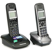 Panasonic KX-TG2512 RU2KX-TG2512RU2Телефонный аппарат - это уже привычная часть нашей жизни, без которой не обходится ни один человек. Телефонный аппарат Panasonic KX-TG2512RUN - современная стильная модель, дизайн которой подчеркнет уютную обстановку вашего дома или дополнит имидж вашего офиса. Телефонный аппарат Panasonic KX-TG2512RUN обладает набором всех необходимых функций, поэтому пользование телефоном, несомненно, будет удобным и комфортным. При этом он очень прост в эксплуатации, в нем сможет разобраться даже ребенок. Телефонные аппараты Panasonic много лет пользуются огромной популярностью за счет своего проверенного временем качества и способностью всегда быть на шаг впереди конкурентов.Дополнительная трубка в комплекте АОН, Caller ID (журнал на 50 вызовов)Спикерфон на трубке Голубая подсветка трубкиТелефонный справочник (50 записей) Полифонические мелодии звонкаКириллица на дисплее Время/дата на дисплееПовторный набор номераПереход в Эко режим одним нажатием Питание трубки: NiMH аккумулятор До 18 ч в режиме разговора До 170 ч в режиме ожидания