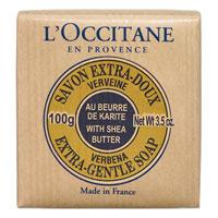 Мыло LOccitane Вербена, 100 г65420692Туалетное мыло LOccitane Вербена великолепно подходит для ежедневного использования. Содержит 100%-ую натуральную основу, обогащен маслом Карите.Подходит для всей семьи. Характеристики: Вес: 100 г. Производитель: Франция. Артикул:000151. Loccitane (Л окситан) - натуральная косметика с юга Франции, основатель которой Оливье Боссан.Название Loccitane происходит от названия старинной провинции - Окситании. Это также подчеркивает идею кампании - сочетании традиций и компонентов из Средиземноморья в средствах по уходу за кожей и для дома.LOccitane использует для производства косметических средств натуральные продукты: лаванду, оливки, тростниковый сахар, мед, миндаль, экстракты винограда и белого чая, эфирные масла розы, апельсина, морская соль также идет в дело. Специалисты компании с особой тщательностью отбирают сырье. Учитывается множество факторов, от места и условий выращивания сырья до времени и технологии сборки. Товар сертифицирован.