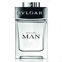 Bvlgari Bvlgari Man. Туалетная вода, 60 мл97102BVLБеспрецедентно-инновационный символ нового мужчины BVLGARI, новый аромат BVLGARI MAN - это искрящийся и чувственный аромат. Вдохновленный яркой мужской непосредственностью и естественной природной элегантностью, он демонстрирует безапелляционное торжество природной мужественности и подлинной харизмы.Верхняя нота: калабрийский бергамот, листья фиалки, белая груша.Средняя нота: белое дерево, растительная амбра, сандал.Шлейф: бензольная смола.Магнетический аккорд растительной амбры добавляет восточную чувственную глубину стихии земли с ее гармоничным бензоином и захватывающими обертонами белого меда и мускуса.Аромат для утонченных мужчин, которые нашли свой путь в жизни, но, однако, открыты ко всему новому.Краткий гид по парфюмерии: виды, ноты, ароматы, советы по выбору. Статья OZON Гид