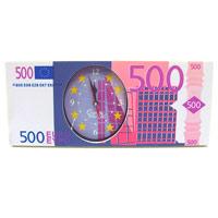 Часы настольные 500 евро92076Оригинальные настольные часы 500 евро - это не только функциональное устройство, но и изысканный элемент декора, который впишется в любой интерьер. Часовой механизм расположен в пластиковой подставке, которая выполненная в виде банкноты номиналом 500 евро. Часы имеюттри стрелки - часовую, минутную и секундную. Благодаря стильному исполнению эти часы станут красивым и полезным подарком.В комплект входят две пластиковые ножки. Характеристики:Материал: пластик, стекло. Размер часов: 24,8 см х 10,3 х 1,6 см. Размер упаковки: 25 см х 11 см х 4,5 см. Производитель: Китай. Артикул: 92076.Часовой механизм на батарейке 1,5 V. Батарейка в комплект не входит.
