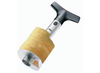 Слайсер для ананаса Affetta13500Удобный слайсер Affetta поможет вам очень быстро и без особого усилия нарезать ананас сочными кольцами. Предназначен для ананасов весом от 1,25 до 2,5 кг. Имеет компактный размер и не займет много места на кухне. Слайсер выполнен из высококачественного пластика и нержавеющей стали. Характеристики: Материал:сталь, пластик. Размер слайсера в собранном виде:13,5 см х 25,5 см х 13,5 см. Размер упаковки:11 см х 25 см х 10 см. Производитель: Германия. Артикул: 13500.