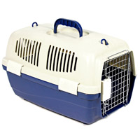 Переноска пластиковая Triol с замком, цвет: синий, 48 х 29 х 28 см клетка для мелких животных triol на колесиках 64 см х 43 5 см х 92 5 см