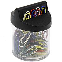Cтаканчик для скрепок Durable с магнитной крышкой, цвет: черный1240-00Элегантный стаканчик для скрепок Durable позволяет удобно хранить скрепки и поддерживать аккуратный вид рабочего стола. Крышка стаканчика с двумя отверстиями снабжена магнитом, который не позволит скрепкам растеряться. Так же в комплект со стаканчиком входят 125 высококачественных цветных скрепок для бумаг. Характеристики:Цвет: черный.Материал: пластик, металл. Высота стаканчика: 7 см. Диаметр стаканчика: 5 см. Длина скрепки: 26 мм. Размер упаковки: 7,5 см х 5 см х 5,5 см. Стаканчик, 125 скрепок.