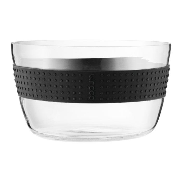 Салатник Bodum Pavina 21см, цвет: черный 11334-0111334-01Салатник Bodum Pavina, выполненный из боросиликатного стекла, займет достойное место на вашей кухне и украсит сервировку стола. Он отличается высокой прочностью, а также прослужит вам долгое время и не потускнеет даже после многократного мытья в посудомоечной машине. Силиконовый ободок салатника не дает ему выскользнуть из рук и придает столу яркую нотку.Салатник можно использовать в микроволновой печи, ставить в морозильную камеру и мыть в посудомоечной машине. Характеристики:Материал:боросиликатное стекло, силикон. Диаметр салатника по верхнему краю:21 см. Высота салатника:13 см. Цвет:черный. Размер упаковки:22,5 см х 13,5 см х 22,5 см. Производитель: Швейцария. Артикул: 11334-01.