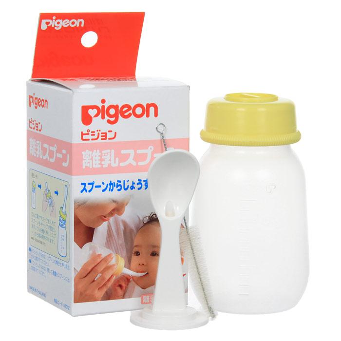 PIGEON Бутылочка с ложечкой для кормления, 3+ мес, 120 мл03012Набор для кормления Pigeon (Пиджеон) используется для детей с начала введения прикорма (для соков и бульонов). Набор состоит из бутылочки и ложки. Набор помогает малышу быстро привыкнуть кушать из ложки.В отличие от обычной ложки, отпала необходимость много раз подносить ее ко рту, достаточно слегка надавить на бутылочку и жидкая пища начнет поступать в ложку по желобку. К набору прилагается щеточка. Характеристики:Объем бутылочки: 120 мл.Длина ложки: 7,5 см.Длина щеточки: 9,5 см.Рекомендуемый возраст: от 3 месяцев. Материал: полипропилен, нержавеющая сталь, нейлон.Товар сертифицирован. Бутылочка, ложка, щеточка