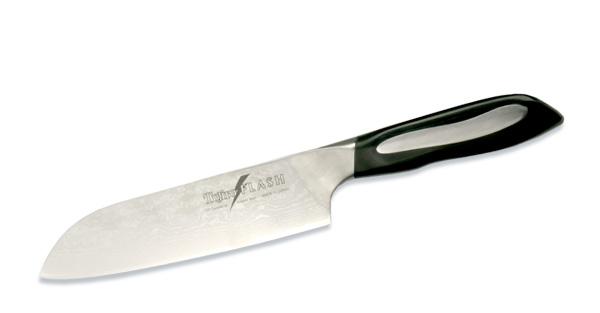 Нож поварской Tojiro Flash, длина лезвия 18 смFF-SA180Поварской нож Tojiro Flash выполнен из высококачественной63-слойной нержавеющей стали, обладающей высокойтвердостью и устойчивостью к коррозии. Лезвие обтекаемойформы оформлено японскими иероглифами. Эргономичнаяручка, выполненная из пластика, позволяет держать ножсвободно и максимально удобно. Такой нож займет достойное место среди аксессуаров навашей кухне.Правила эксплуатации:- Хранить нож следует в сухом месте.- После использования, промойте нож теплой водой ипротрите насухо.- Оставление ножа в загрязненном состоянии можетпривести к образованию коррозии.Запрещается:- Мыть нож в посудомоечной машине.- Хранить ножи в одной емкости со столовыми приборами. - Резать на твердых поверхностях: каменных столешницах,керамических тарелках, акриловых досках.- Запрещается нецелевое использование ножа: вскрыватьконсервные банки, разрезать кости, скоблить твердыеповерхности, резать замороженные продукты.Правка производится легкими движениями на водном камнеили мусате.Заточка ножа - сложный технологический процесс,должен производиться профессионалом на специальномоборудовании. Услуга по заточке ножа предоставляетсяспециалистами компании «Тоджиро». Характеристики:Материал: нержавеющая сталь, пластик. Общаядлина ножа: 22 см. Длина лезвия: 31 см. Размерупаковки: 10,5 см х 2,5 см х 36,5 см. Артикул: FF-SA180.Уважаемые клиенты!В случае несоблюдения правил эксплуатации, нож неподлежит гарантийному обслуживанию.
