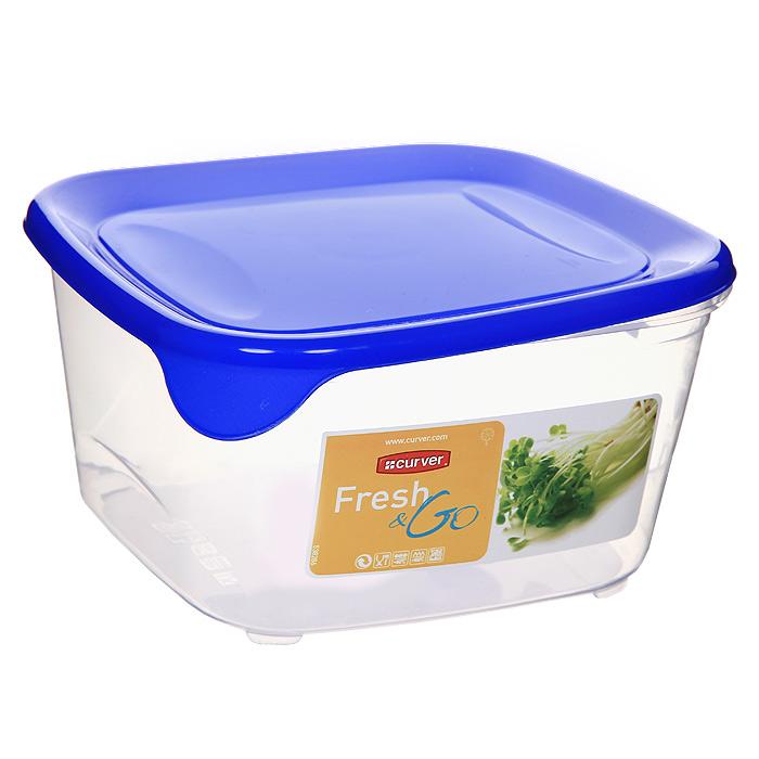 Контейнер для СВЧ, холодильника Curver Fresh & Go 1,2 л 00560-139-01D 00560Контейнер Fresh & Go квадратной формы предназначен специально для хранения пищевых продуктов. Крышка легко открывается и плотно закрывается. Устойчив к воздействию масел и жиров, легко моется (можно мыть в посудомоечной машине). Прозрачные стенки позволяют видеть содержимое. Контейнер можно использовать при температурах от -40°С до +100°С. Контейнер необыкновенно удобен: в нем можно брать еду на работу, за город, ребенку в школу. Именно поэтому подобные контейнеры обретают все большую популярность. Характеристики: Материал:пластик. Размер:15 см х 8 см х 15 см. Объем контейнера:1,2 л. Изготовитель:Украина. Артикул:00560-139-01.Торговая маркаCurver- это продукция крупнейшего в Европе производителя высококачественных изделий из пластика и пластмассы - концерна Rubbermaid. Ассортимент продукции ТМCurverсоставляет свыше 200 товаров для дома и быта, которые представлены в основных шести товарных группах: прачечная, контейнеры для мусора, кухня, садово-огородные изделия, изделия для мастерской, упаковка и хранение. Отличительные черты изделий торговой маркиCurver - эргономичность, дизайн, функциональность, широкая палитра цвета и форм, постоянное расширение ассортимента и, конечно, неизменно высокое европейское качество!