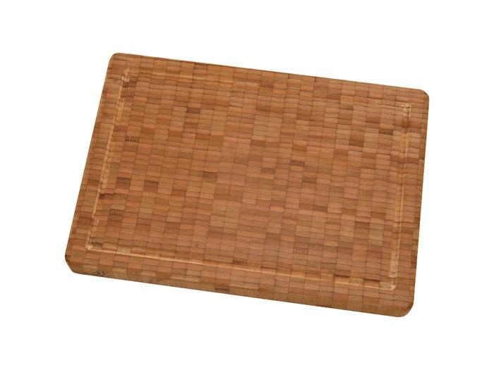 Доска разделочная Zwilling Twin из бамбука 35 х 25 см 30772-10030772-100Разделочная доска Twin выполнена из бамбука. Бамбук - инновационный материал, идеально подходящий для разделочных досок благодаря своим антибактериальным свойствам. Разделочную доску можно использовать с обеих сторон для нарезки любых продуктов, а также для сервировки таких блюд как суши. Характеристики: Размер доски:35 см х 25 см. Материал:бамбук. Изготовитель:Китай. Производитель:Германия. Артикул:30772-100.Немецкая компания Zwilling J. A. Henckels была основана в 1731 году. При производстве своей продукции компания на протяжении многих лет использует инновационные технологии. В настоящее время компания Zwilling J. A. Henckels является эталоном высокого немецкого качества, долговечности и практичности, чем заслужили признание во всем мире.