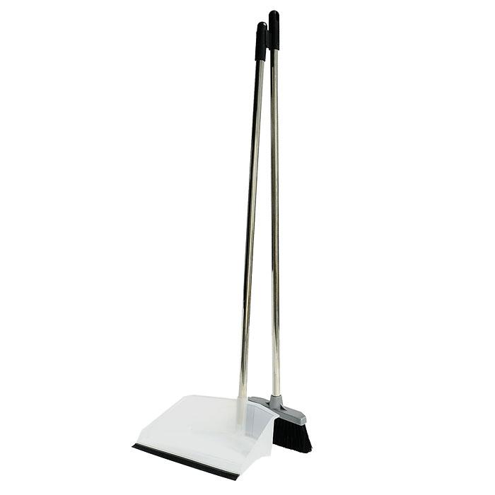 Набор для уборки Regina: совок и щетка. 1170511705-AСделайте уборку в квартире веселее. Набор Regina поможет вам в этом. Эластичный ворс на щетке не оставит от грязи и следа, а благодаря резиновому краю на совке грязь и мусор будут легко сметаться на него. Ваша однообразная уборка станет праздником. Для дополнительного удобства совок и щетка снабжены специальным креплением, с помощью которого, вложив щетку в совок, их можно разместить в любом месте. Характеристики: Материал:сталь, пластмасса.Размер совка:24 см х 17 см х 7 см.Размер щетки:18 см х 3,5 см. Длина ворса:5,5 см.Длина ручки совка и щетки:80 см.Производитель:Италия.Артикул:11705-A.