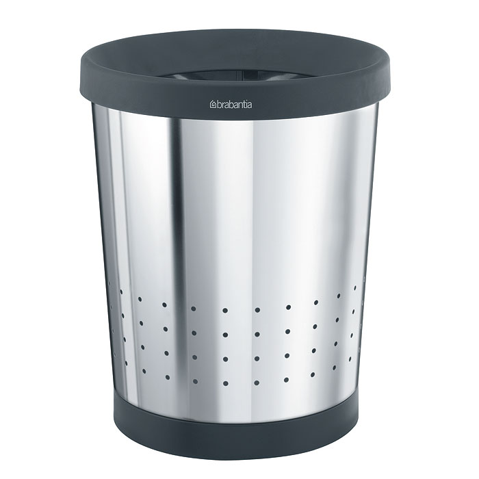 Корзина для бумаг Brabantia, цвет: стальной полированный, 11 л. 364327364327Содержимое эстетично спрятано – практичный дизайн. Удобная фиксация мешков для мусора – съемный верхний обод. Перфорация – элегантный дизайн и дополнительная легкость. Предохранение пола от повреждений – пластиковый защитный обод. Опрятный вид – идеально подходящие по размеру мешки для мусора PerfectFit (размер С).