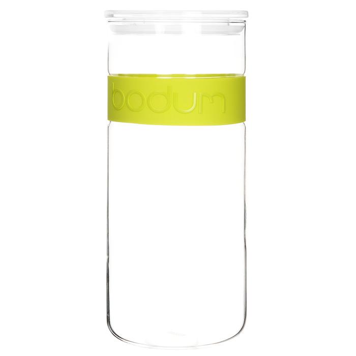 Банка для хранения Presso, цвет: салатовый, 2,5 л11131-Банка для хранения Presso, выполненная из прозрачного стекла, станет незаменимым помощником на кухне. В верхней части банки имеется вставка из приятного на ощупь силикона салатового цвета. В такой банке будет удобно хранить разнообразные сыпучие продукты, такие как кофе, крупы, макароны или специи. Емкость легко и герметично закрывается пластиковой крышкой с уплотнителем. Такая банка не только сэкономит место на вашей кухне, но и украсит интерьер.Оригинальный дизайн позволит сделать такую банку отличным подарком на любой праздник.Можно мыть в посудомоечной машине. Характеристики: Цвет: салатовый. Материал: стекло, силикон, пластик. Объем банки: 2,5 л. Диаметр банки: 12 см. Высота банки: 28 см. Размер упаковки: 29 см х 12,5 см х 12,5 см. Производитель: Швейцария. Артикул: 11131-.