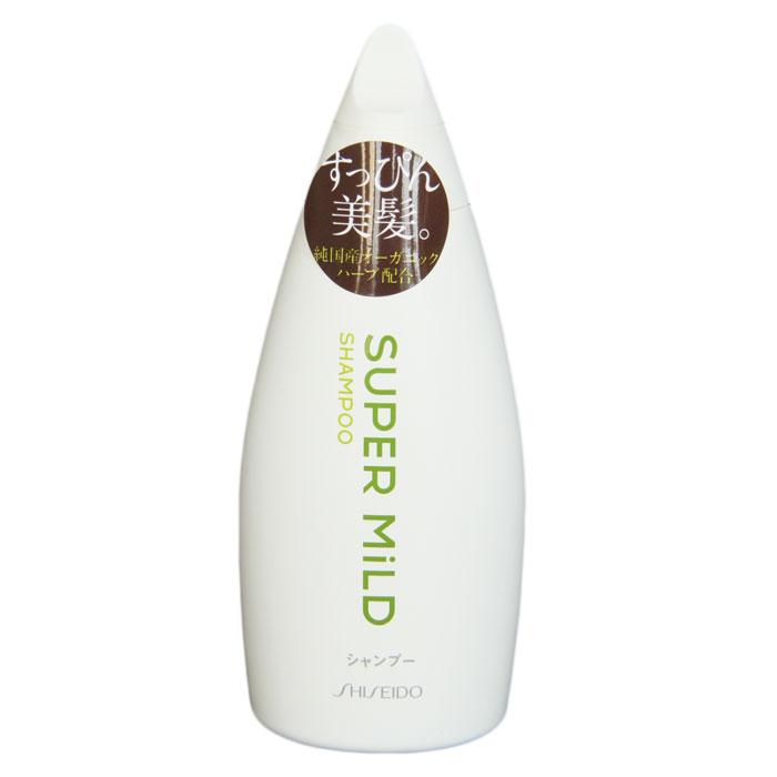 Шампунь для волос Shiseido Super Mild, 220 мл892230Супермягкий шампунь для волос Shiseido Super Mild обладает ароматом трав, который освежает и придает чувство легкости. Нежно ухаживая, шампунь сохраняет и удерживает важные компоненты состава волос, предохраняет их от повреждения. Защищает волосы от неблагоприятных факторов, таких как сухость и трение. Экстракт розмарина укрепляет волосы, стимулирует рост, очищает кожу головы от жировых пробок и отмерших частичек, улучшает кровообращение, делает волосы шелковистыми и блестящими. Экстракт ромашки интенсивно питает, стимулирует рост, смягчает и защищает поверхность волос, придает объем. Протеин овса, масло ростков пшеницы и витамин Е разглаживают и восстанавливают структуру поврежденных волос. Волосы после применения шампуня легко расчесываются. Характеристики: Объем: 200 мл. Артикул: 892230. Производитель: Япония. Товар сертифицирован.
