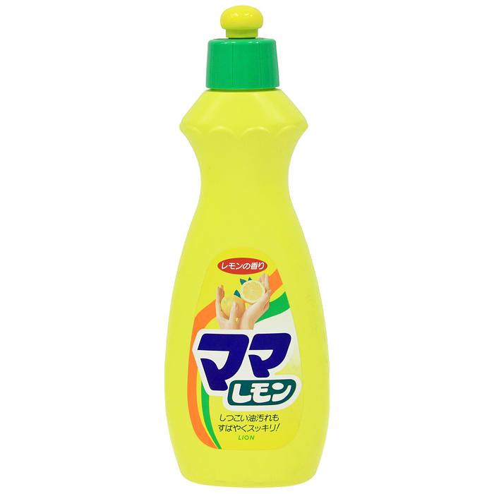 Средство для мытья посуды Lion Mama Lemon, лимон, 380 мл073086Средство Mama Lemon предназначено для мытья посуды, кухонной утвари, дезинфекции губок, а также для мытья овощей и фруктов. Густая пена великолепно справляется с жиром даже в холодной воде. Моющее средство оказывает антибактериальное действие и удаляет неприятные запахи. Обладает освежающим ароматом лимона. Благодаря содержанию моющих компонентов растительного происхождения, средство мягко воздействует на кожу рук, не сушит ее и не вызывает раздражения. Характеристики: Объем: 380 мл. Производитель: Япония. Артикул: 073086. Японская бытовая химия - это эффективность, высочайшее качество, экономичность и безопасность применения.Компания Lion, основанная в октябре 1891 г, является одним из лидеров в Японии по производству косметической продукции и бытовой химии. Четыре исследовательских центра компании постоянно занимаются разработкой новой продукции, а также совершенствованием уже имеющейся. Компания Lion стремиться к тому, чтобы делать жизнь людей счастливее и радостнее.