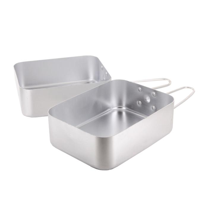 Набор походной посуды Era Outdoor, 2 предмета3299Набор походной посуды Era Outdoor состоит из двух универсальных емкостей предназначенных для приготовления пищи. Емкости снабжены складными ручками. Набор идеально подойдет для приготовления пищи во время похода. Посуда легкая и компактно складывается, поэтому не займет в походном рюкзаке много места. Характеристики:Материал: алюминий. Объем емкостей: 1 л; 1,25 л. Размер емкостей: 16,8 см х 13,3 см х 5,7 см;18,2 см х 13,7 см х 6 см. Производитель: Финляндия. Артикул:3299.