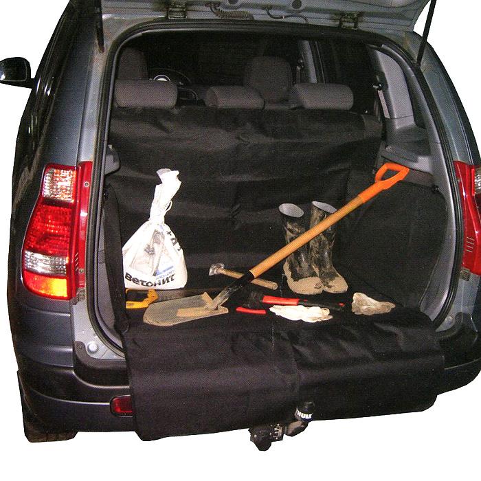 Защитная накидка в багажник Comfort Adress, цвет: черный, 75 см х 105 см х 75 смdaf022Защитная накидка в багажник Comfort Adress, выполненная из прочного, водоотталкивающего материала, защищает дно, боковые стенки багажника, спинки задних сидений от грязи и повреждений. Также имеется дополнительная защита бампера от царапин во время загрузки. Система установки проста и удобна. Не мешает откидыванию задних сидений. Защитная накидка универсальна, подходит для любых типов и размеров багажников. Характеристики: Материал: непромокаемая ткань ПВХ 600D. Размер: 75 см х 105 см х 75 см. Цвет: черный. Производитель: Россия. Артикул: daf 022.