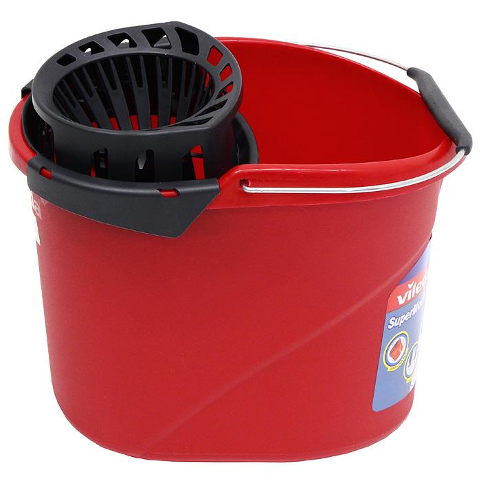 Ведро Vileda SuperMоcio с отжимом ленточных швабр, цвет: красный, 12 л10510, 4015301Овальное ведро Vileda SuperMоcio изготовлено из крепкого, утолщенного пластика и имеет современный дизайн. Ведро снабжено специальной насадкой с технологией Power Press, которая обеспечивает интенсивный отжим ленточных швабр (подходит для всех ленточных швабр, не только бренда Vileda). Это значительно уменьшает физические нагрузки при мытье полов. Насадка надежно крепится на ведро и также легко снимается, позволяя хранить ее отдельно. Для удобного использования ведро имеет металлическую ручку с пластиковой вставкой.Объем: 12 л. Размер ведра: 36 х 27 х 26 см. Vileda - торговая марка немецкого концерна Freudenberg, выпускающего первоклассный уборочный инвентарь, как для уборки дома, так и для профессиональной уборки.Концерн Freudenberg, частью которого является Vileda, существует уже 161 год, торговая марка Vileda - 62 года. В настоящее время торговая марка Vileda - является номером один на европейском рынке в области аксессуаров для уборки.Товары под маркой Vileda созданы, что бы помочь вам сократить время на уборку и сделать работу по дому максимально приятной и легкой.