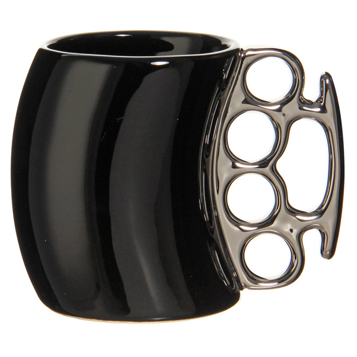 Кружка Кастет, цвет: черный, серебристый92476Керамическая кружка Кастет черного цвета станет отличным подарком для человека, ценящего забавные и практичные подарки. Кружка оригинальной формы выполнена с ручкой в виде кастета серебристого цвета. Такой подарок станет не только приятным, но и практичным сувениром: кружка станет незаменимым атрибутом чаепития, а оригинальный дизайн вызовет улыбку. Характеристики:Цвет: черный, серебристый. Материал: керамика. Высота кружки: 10,5 см. Диаметр кружки: 7,5 см. Размер упаковки:14,5 см х 11,5 см х 9 см. Изготовитель:Китай. Артикул: 92476.