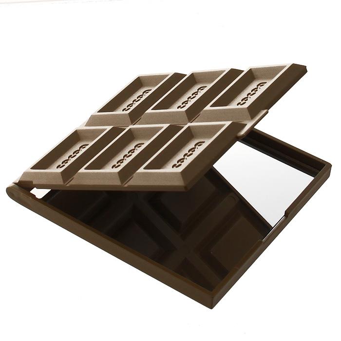 Зеркало Светлый шоколад, 7,5 см х 8,5 см92300Изящное зеркало Светлый шоколад выполнено в прямоугольном пластиковом корпусе светло-коричневого цвета и декорировано квадратиками в виде плитки шоколада, внутри содержит одно зеркальце.Такое зеркальце станет отличным подарком представительнице прекрасного пола, ведь даже самая маленькая дамская сумочка обязательно вместит в себя миниатюрное зеркальце - атрибут каждой модницы. Характеристики: Материал: пластик, стекло. Размер корпуса: 7,5 см х 8,5 см Высота корпуса зеркала (в сложенном виде): 0,8 см. Размер зеркала: 7,3 см х 7 см. Изготовитель:Китай. Артикул:92300.