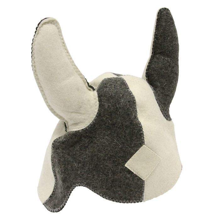 Шапка для бани и сауны Викинг. 4100841008Шапка для бани и сауны, выполненная в виде шлема средневекового викинга с рогами - это незаменимый аксессуар для любителей попариться в русской бане и для тех, кто предпочитает сухой жар финской бани. Необычный дизайн изделия поможет сделать ваш отдых более приятным и разнообразным.Такая шапка станет отличным подарком для любителей отдыха в бане или сауне. Характеристики: Материал: войлок. Диаметр основания шапки: 33 см. Высота шапки: 24 см. Производитель: Россия. Изготовитель: Китай. Артикул: 41008..