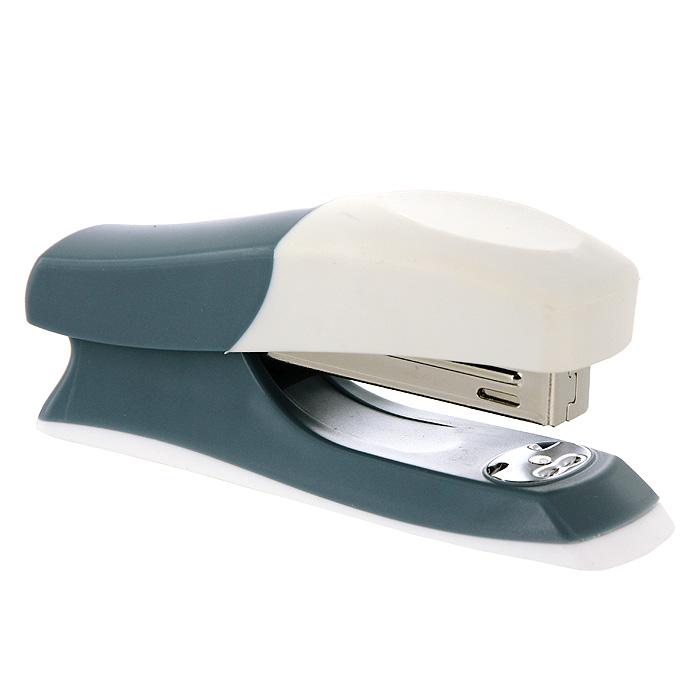 Степлер Fusion, для скоб №24/6, цвет: серо-голубой, белыйIFS715BU/WHПрактичный степлер Fusion с вертикальной загрузкой скоб в эргономичном корпусе из яркого пластика. Степлер вмещает 100 скоб и рассчитан на скрепление до 20 листов. Загибает скобы в двух направлениях. Размер скоб: №24/6. Степлер снабжен инфо-окном, позволяющим оценить количество скоб. Характеристики: Размер: 13,5 см х 6 см х 4 см. Материал: пластик, металл. Цвет: синий, серый. Изготовитель: Китай.