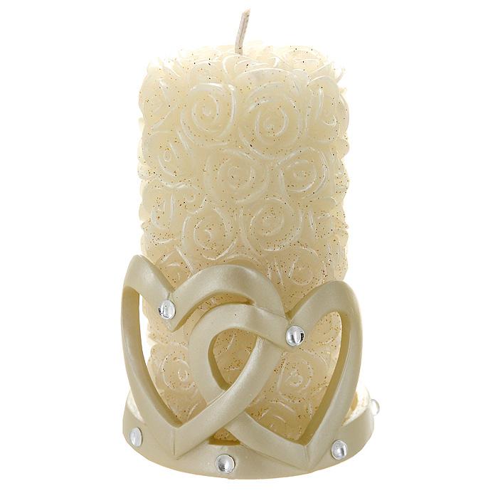 Свеча Сердца с подсвечником, 11,5 см94424Декоративная свеча Сердца - это универсальный подарок, который своей оригинальностью и неповторимым дизайном покорит любого, даже самого взыскательного гурмана! Свеча, выполненная в виде бутонов белых роз и усыпанная блестками, размещается на оригинальном подсвечнике. Подсвечник выполнен в форме двух сердец и декорирован стразами. Горящая свеча поможет настроиться на позитивный лад и создаст уют в вашем доме.Характеристики: Материал: парафин, полистоун. Высота свечи:11,5 см. Диаметр основания свечи:6 см. Размер подсвечника:8 см х 6,5 см х 8 см. Размер упаковки:9,5 см х 12 см х 9 см. Изготовитель:Китай. Артикул:94424.