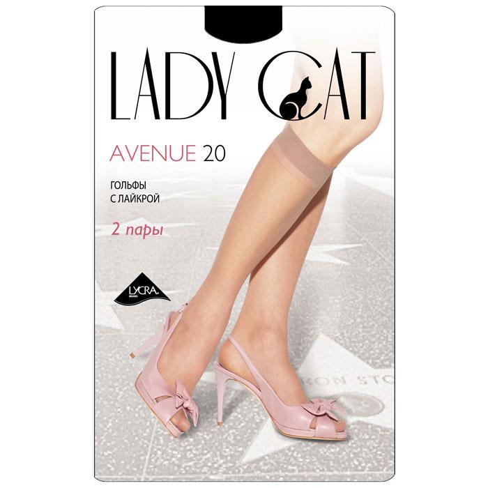 Гольфы женские Грация Lady Cat Avenue 20, цвет: черный. Размер универсальныйAvenue 20Тонкие эластичные гольфы Грация Lady Cat Avenue 20 - удобные и комфортные сусиленным мыском.В коллекциях колготокГрацияпредставлены модели, которые станут удачным дополнением к гардеробу любой женщины. Модели с заниженной и классической линией талии, совсем тоненькие с эффектом прохлады для жарких дней и утепленные с добавлением шерсти. Любая модница знает, что особое внимание при выборе одежки для своих ножек следует уделять фактуре изделия. В коллекции колготокГрациявы найдете и шелковистые колготки с добавлением лайкры, которые окутают ваши ножки легким мерцанием, и более строгие матовые модели. Но главная особенность колготокГрация- их практичность: они устойчивы к появлению затяжек и очень прочны. В особенно уязвимых зонах многие модели специально уплотнены, что обеспечивает дополнительную защиту.