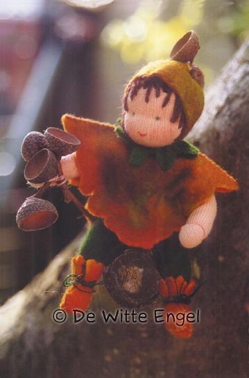 """Набор для изготовления вальдорфской игрушки """"Маленький желудь"""", 12 см, De Witte Engel"""