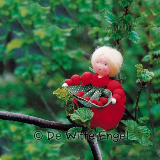 Набор для изготовления вальдорфской игрушки Красная  смородина, 10 см набор для изготовления вальдорфской игрушки мальчик на жирафе 30 см
