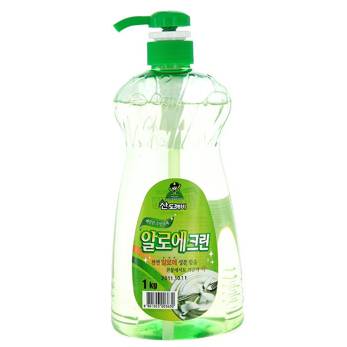 Гель для мытья посуды Aloe Clean, 1 кг760034Гель Aloe Clean предназначен для мытья посуды и кухонных принадлежностей. Он обладает превосходной моющей силой. Экстракт Алоэ, входящий в состав, защищает и увлажняет кожу. Гель образует обильную пену, которая легко смывается при ополаскивании. Средство имеет нейтральный РН. Эргономичный флакон снабжен удобным дозатором, который позволит вам легко и экономично наносить раствор на губку. Характеристики:Вес: 1 кг. Производитель: Корея. Товар сертифицирован.