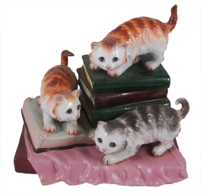 "Статуэтка ""Котята на книгах"". Фарфор, роспись. Вторая половина ХХ века"