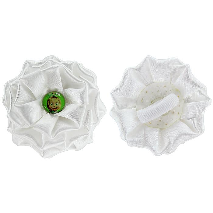 Резинка для волос Бант, цвет: белый, 2 шт956037Резинка для волос Бант подчеркнет красоту прически вашей маленькой модницы. Резинка выполнена из атласного материала, в виде белого цветка и украшена посередине вставкой с изображением Маши, героини мультсериала Маша и Медведь. Комплект включает две резинки.Характеристики: Материал: текстиль, пластик. Диаметр банта: 8 см. Производитель:Россия.Не рекомендуется детям до 3-х лет.