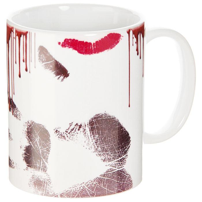 Кружка Грязная кружка93477Кружка Грязная кружка выполнена из высококачественной керамики и оформлена кофейными каплями, следом от губной помады и отпечатком руки. Кружка станет отличным подарком для человека, ценящего забавные и практичные подарки. Она станет незаменимым атрибутом чаепития, а оригинальный дизайн вызовет улыбку. Характеристики:Материал:керамика. Высота кружки:9,5 см. Диаметр по верхнему краю:8 см. Размер упаковки:10,5 см х 10 см х 10 см. Изготовитель:Китай. Артикул: 93477.