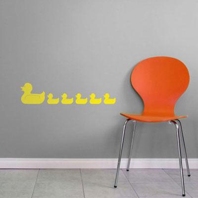 Стикер Paristic Уточки, цвет: оранжевый, 34 х 43 смLD 1003Стикер Paristic Уточки - это уникальная возможность придать интерьеру неповторимый индивидуальный облик. Яркая композиция в виде стайки очаровательных плывущих уточек создаст в доме невероятную атмосферу тепла, уюта и радости.Стикер выполнен из матового винила- тонкого эластичного материала, который хорошо прилегает к любым гладким и чистым поверхностям, легко моется и держится до семи лет, при снятии не оставляет следов.Такой оригинальный элемент декора наполнит интерьер креативностью, яркими красками и солнечным настроением и станет великолепным украшением, притягивающим заинтересованные взгляды окружающих.В комплекте со стикером предусмотрена подробная инструкция по наклеиванию (на русском языке). Характеристики: Материал:винил. Цвет: оранжевый. Размер стикера (B x Ш): 43 см х 34 см. Размер упаковки: 48,5 см х 35 см. Производитель: Франция. Paristic - это стикеры высокого качества. Художественно выполненные стикеры, создающие эффект обмана зрения, дают необычную возможность использовать в своем интерьере элементы городского пейзажа. Продукция представлена широким ассортиментом - в зависимости от формы выбранного рисунка и от Ваших предпочтений стикеры могут иметь разный размер и разный цвет (12 вариантов помимо классического черного и белого). В коллекции Paristic - авторские работы от урбанистических зарисовок и узнаваемых парижских мотивов до природных и графических объектов. Идеи французских дизайнеров украсят любой интерьер: Paristic -это простой и оригинальный способ создать уникальную атмосферу как в современной гостиной и детской комнате, так и в офисе.В настоящее время производство стикеров Paristic ведется в России при строгом соблюдении качества продукции и по оригинальному французскому дизайну