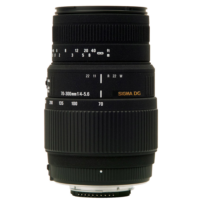 Sigma AF 70-300mm F4-5.6 DG MACRO, Nikon5A9955Длиннофокусный зум-объектив с функцией макросъемки Sigma AF 70-300mm F4-5.6 DG MACRO. Объектив идеально подходит для съемки портретов, спортивных событий и природы.Используемые технологии:DG - Светосильные широкоугольные объективы для цифровых и пленочных камер, позволяют сфокусироваться с минимальным расстоянием до объекта съемки.
